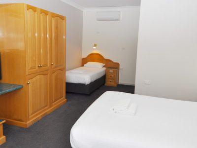 Hilton Motel Standard Twin